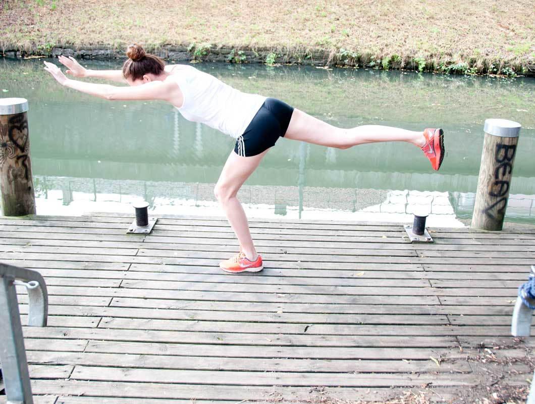 7 Tolle Po übungen Im Stehen Das Flamingo Workout