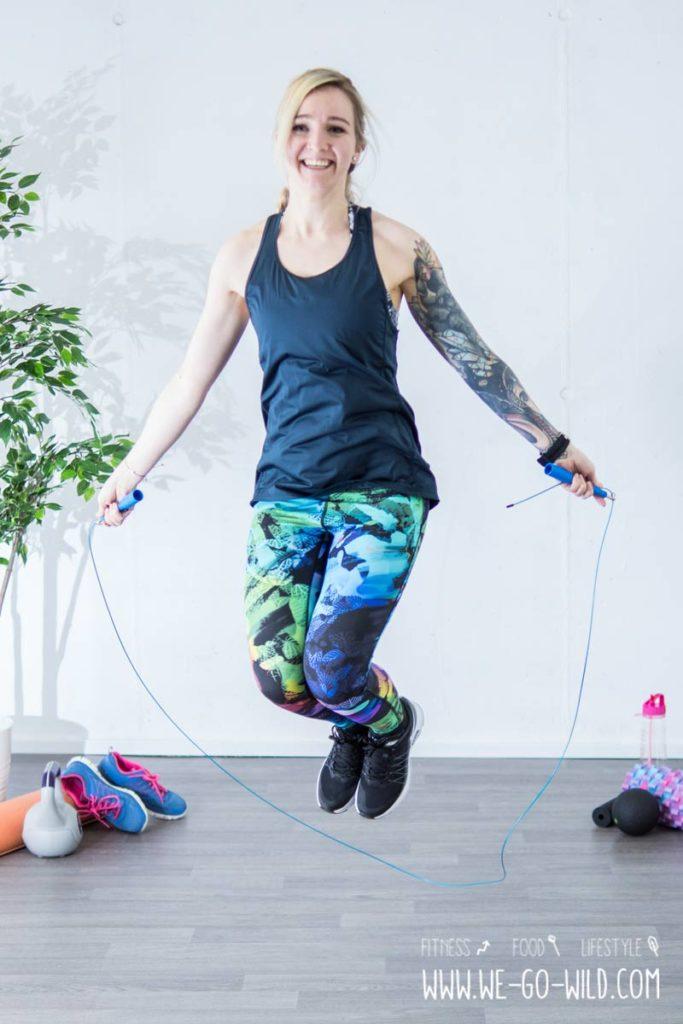 Es ist gut, Seil zu springen, um Gewicht zu verlieren