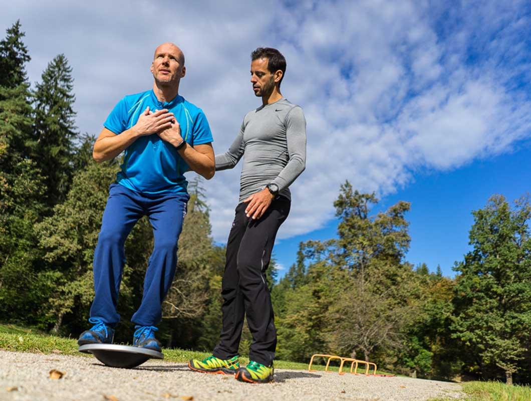 Skisaison Workout Balance Board Übung