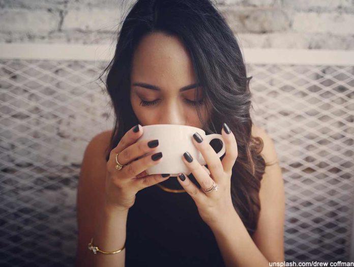 hoch die tassen wer viel kaffee trinkt lebt l nger. Black Bedroom Furniture Sets. Home Design Ideas
