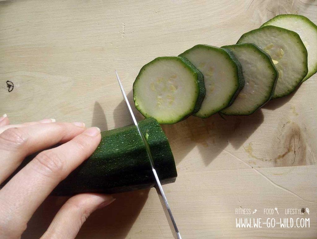 Zucchini sind ein Lebensmittel mit wenig Kalorien
