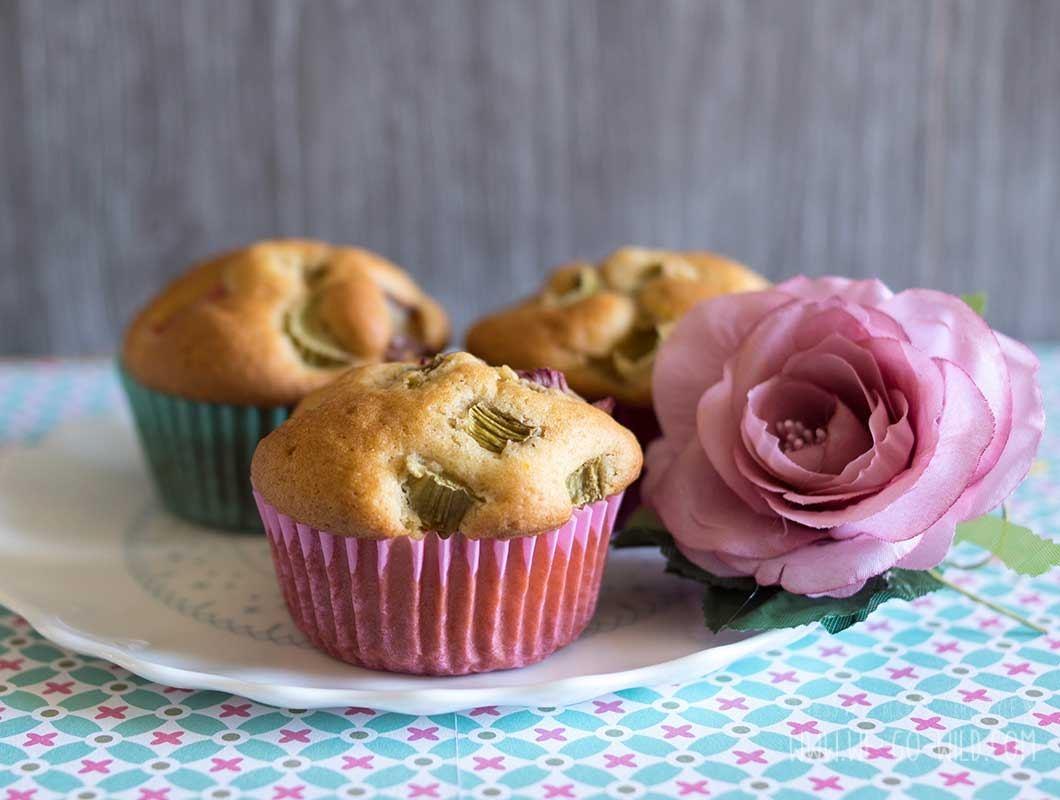 rezept f r schnelle rhabarber muffins. Black Bedroom Furniture Sets. Home Design Ideas