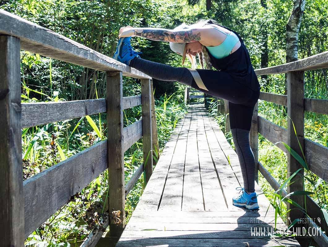 Outdoor Workout Beine dehnen