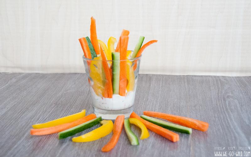 Gemüsesticks mit Kräutern als Low Carb Frühstück