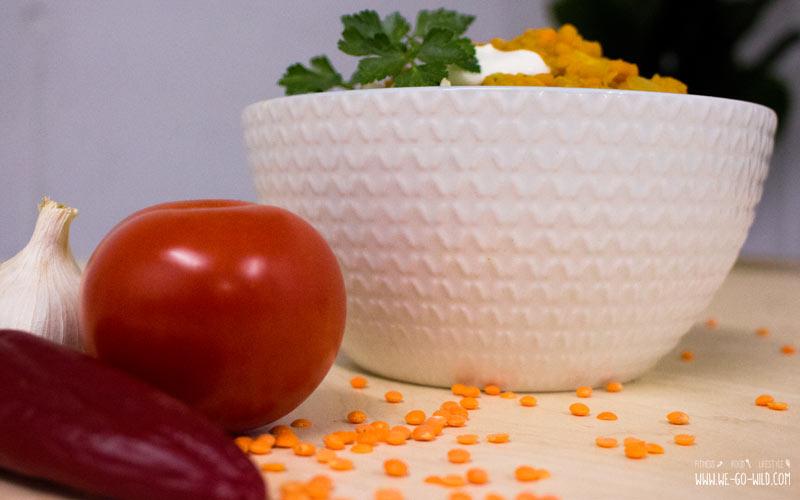 Veganes rote Linsen Dal mit braunem Reis