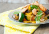 Kalorienarme Gemüsepfanne mit Garnelen als Fitness-Rezept