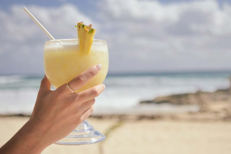 Bauchfett loswerden: Auf Alkohol verzichten