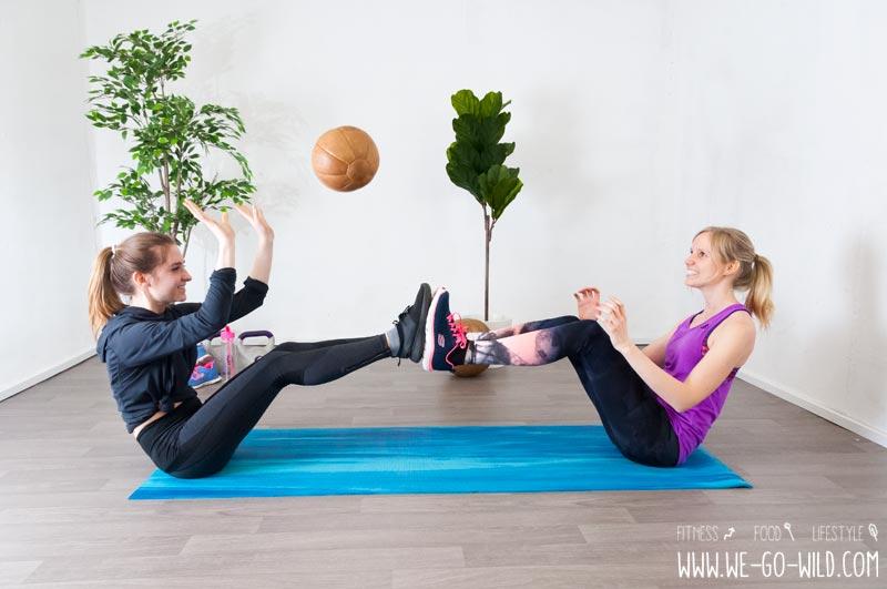 Medizinball Übungen Team Workout