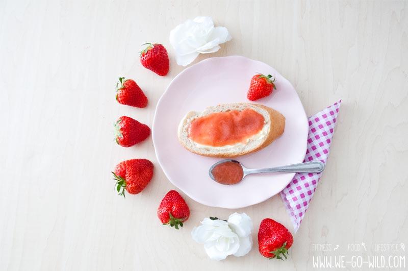 Rhabarber Marmelade mit Vanille und Birkenzucker