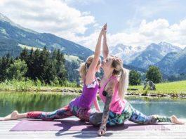 Die Taube als Yoga Übungen zu zweit