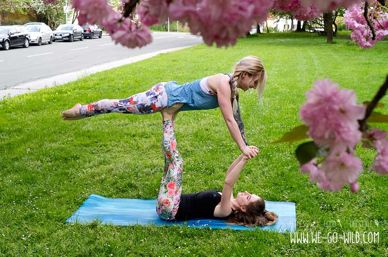 Yoga Übungen zu zweit: Acroyoga