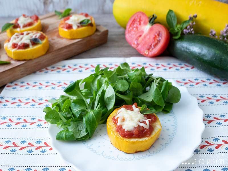 Zucchini Pizza Häppchen low carb Rezept