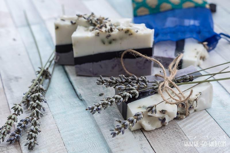 Seife selber machen mit Lavendel