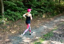 Fitness Outfit Frauen Herbstlauf