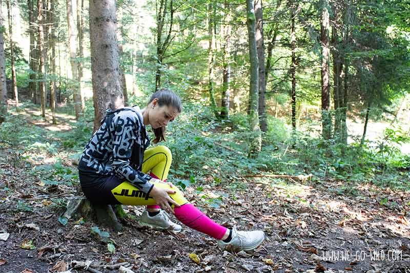 Knieschmerzen beim Laufen: Das steckt dahinter! - WE GO WILD