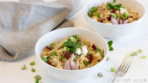 Bulgur Salat mit Feta und getrockneten Tomaten